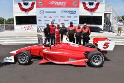 Pemenang lomba Zach Veach, Belardi Auto Racing