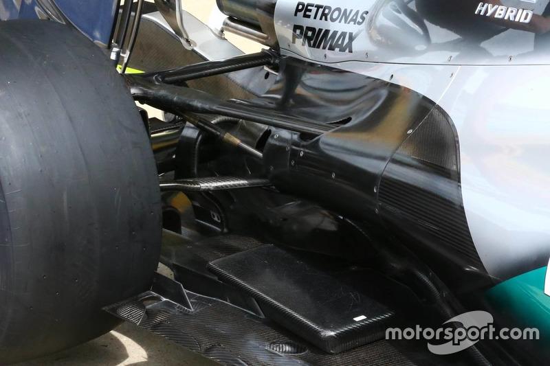 Mercedes, detalle de suspensión trasera