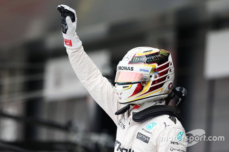 Hamilton con el casco de 2016