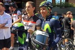 Jorge Lorenzo mit dem Radstar Nairo Quintana aus Kolumbien