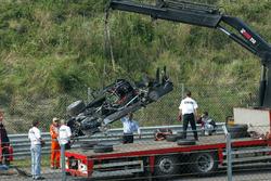 La voiture détruite de Peter Dumbreck, OPC Team Phoenix, Opel Vectra GTS V8, après son crash à la sortie du virage Arie Luyendijk