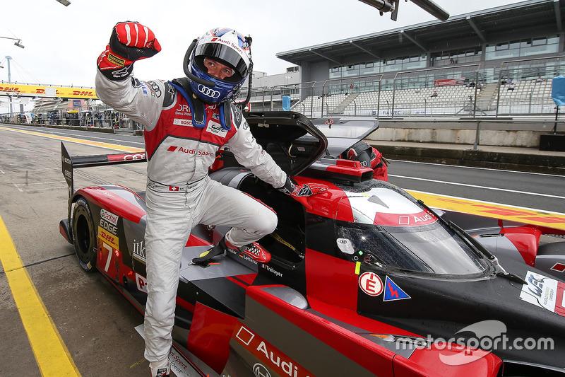 Ganador de la pole #7 Audi Sport Team Joest Audi R18: Marcel Fässler, Andre Lotterer