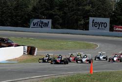 Финиш гонки Формула Renault Аргентина