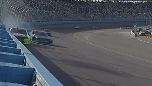 Kevin Harvick slams the wall in Phoenix!
