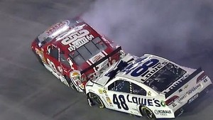 NASCAR Bristol | Jimmie Johnson Gets Collected in Reutimann's Crash