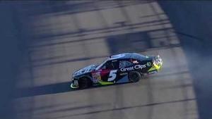 NASCAR Bliss narrowly avoids spinning Sweet | Phoenix International Raceway (2013)