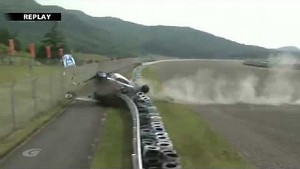 Airborne crash at the Super GT Autopolis race