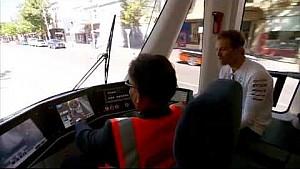 Nico pasea en el Rosberg Express