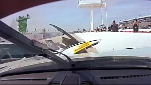 Un choque raro en el inicio de la carrera en el Pirelli Wold Challenge GT