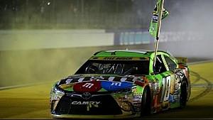 Kyle Busch remporte le titre de Champion 2015 de NASCAR Sprint Cup