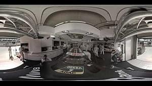 Expérience 360° / Une minute - Bruno Spengler se prépare à aller en piste