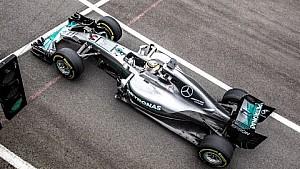 Hamilton simán nyeri a Brit Nagydíjat a két Ferrari előtt?