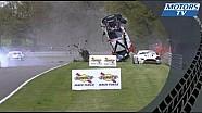 Авария в гонке британского чемпионата GT в Брэндс-Хэтче