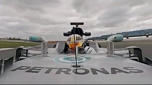 لفة 360 درجة مع لويس هاميلتون – مرسيدس دبليو08