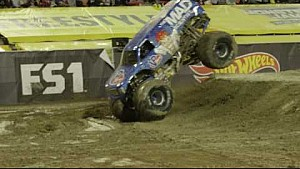 1. Front-Flip mit dem Monster-Truck (2)