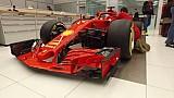 Ferrari SF71H - Наклеювання логотипів
