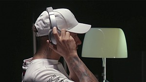 How Bose helps Hamilton to keep his focus